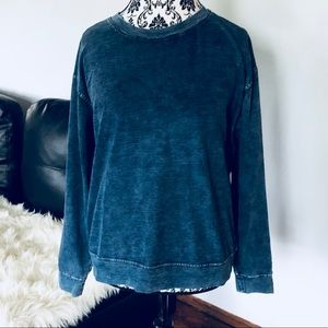 Jane & Delancy trendy blue top. Large.